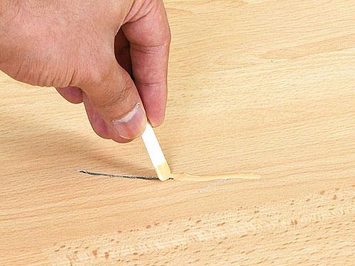 Удаление царапин с помощью воскового карандаша